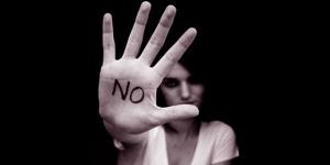 20151123182509-no-violenza-donne1